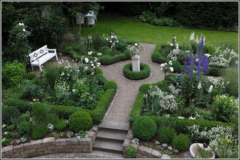 Kleinen Garten Mit Steinen Gestalten  Garten  House Und