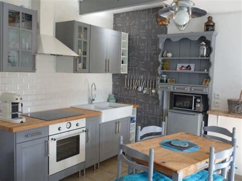 cuisine renovee du gris pour une cuisine rénovée