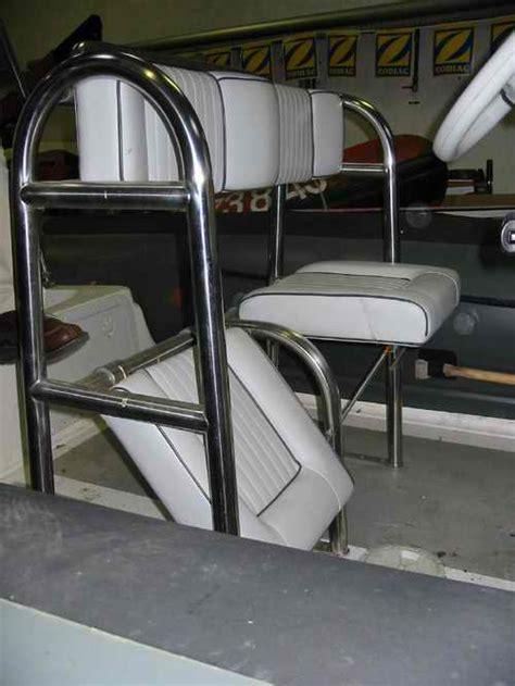 siege dos a dos pour bateau cardot marine visite de l 39 atelier de rparation et