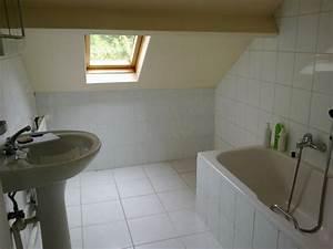 Relooking salle de bain mansardee for Salle de bains mansardee