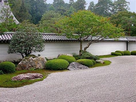 Die Hauptelemente Des Japanischen Gartens