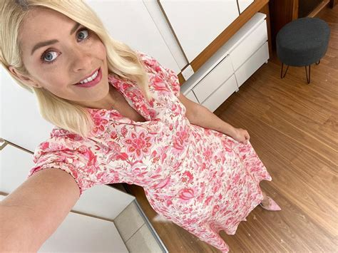 Pin on HOLLY WILLOUGHBY (THIS MORNING FASHION STYLE)