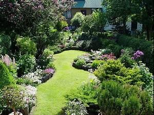 25+ best ideas about Small Garden Design on Pinterest