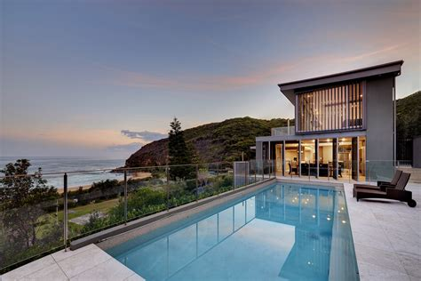 Beach House : A Weekend Escape To Australia's Central Coast