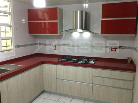 cocina  alacenas en cristal rojo  gabinetes en pvc