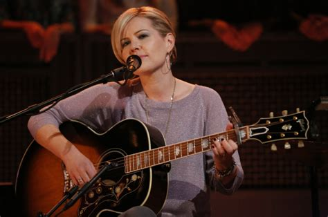 Remember 2000s Star Dido? This Is What She Looks Like