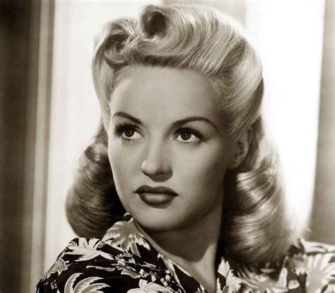 1940s Pompadour Hairstyle by 1940s Hairstyles Memorable Pompadours 1940 S Fashion