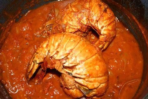 cuisiner la langouste recette de queue de langouste à l 39 armoricaine la recette