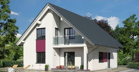 haus mit balkon haus mit satteldach bauen ytong bausatzhaus