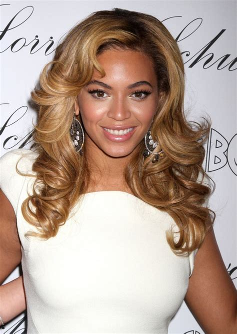 beyonce knowles long hair style loose curls popular
