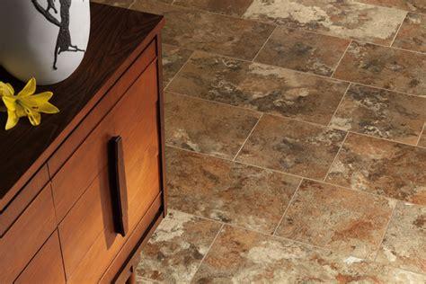 piso de vinilo  aspecto de piedra