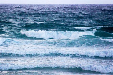Ocean Waves Groundswell Wind Swell
