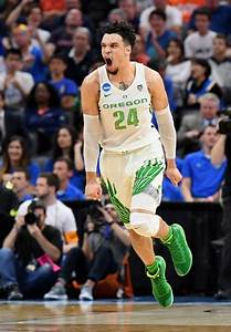 Intensity brings out the best, worst in Oregon's Dillon ...