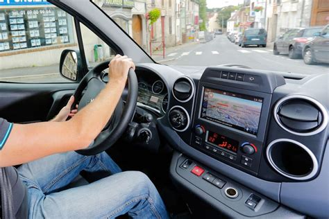 reglementation si鑒e auto employe surveille par un gps en voiture dentreprise autorise ou interdit