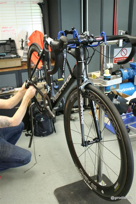 shimano ultegra 6870 di2 11 speed install and early impressions girodilento