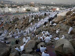 Hajj 2017: Two million Muslims gather at Mount Arafat for ...