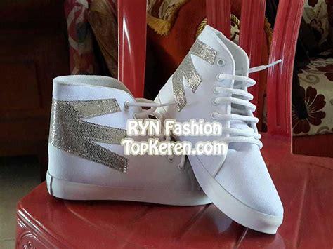 sepatu kets boots putih wanita model terbaru murah