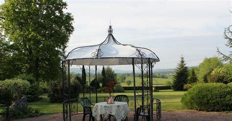 renovation cuisine pas cher la gloriette de jardin petit pavillon au coeur du jardin
