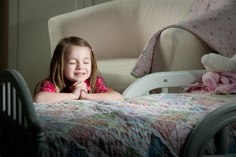 8 Nice And Easy Christian Bedtime Prayers To Teach Your