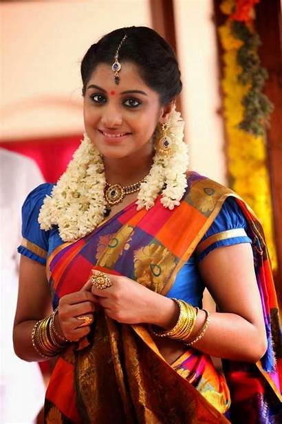 Oviya Tamil Latest Stills Spicy Actress Sandamarutham