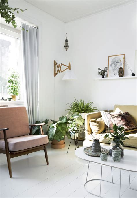 scandinavian apartment   green feature wall