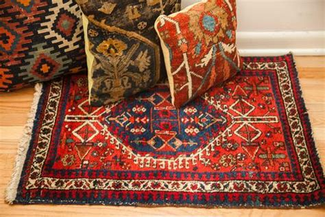 small bold red accent rug  onh antique rug mat
