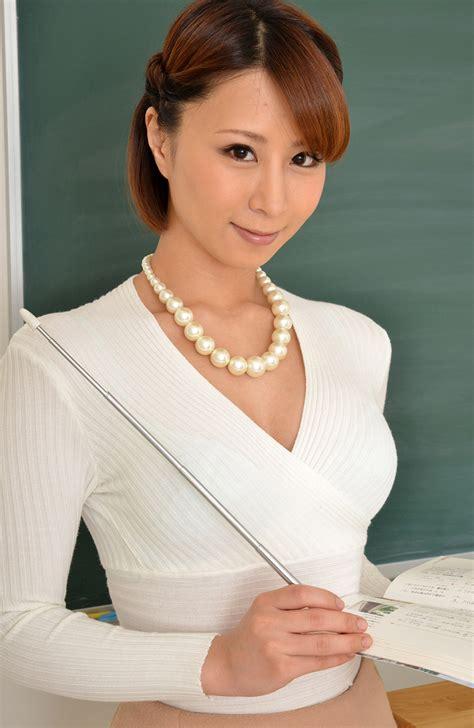 Mikan Kururugi 枢木みかん Photo Gallery 12 Av Girls