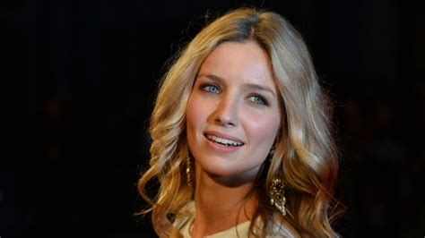 Annabelle Wallis Wallpapers Archives - HDWallSource.com