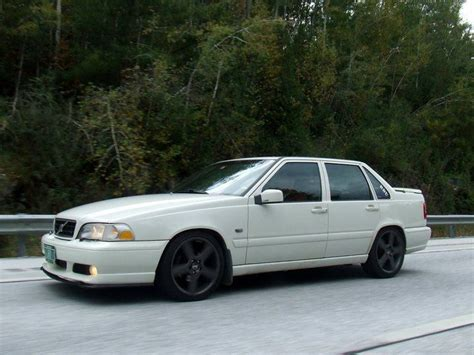 love volvo ss    soo bad volvo cars