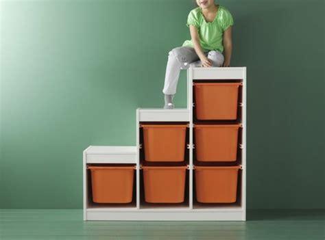 jeu de rangement de chambre idée rangement chambre enfant avec meubles ikea