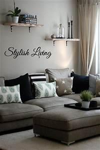 Wandschmuck Für Wohnzimmer : die besten 25 wanddeko wohnzimmer ideen auf pinterest bilderregal rosa und grauer teppich ~ Sanjose-hotels-ca.com Haus und Dekorationen