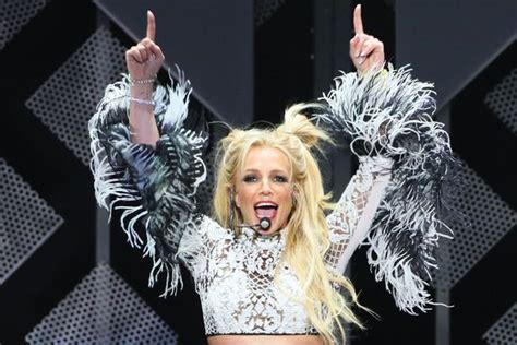 Birthday girl Britney Spears wears her iconic schoolgirl ...