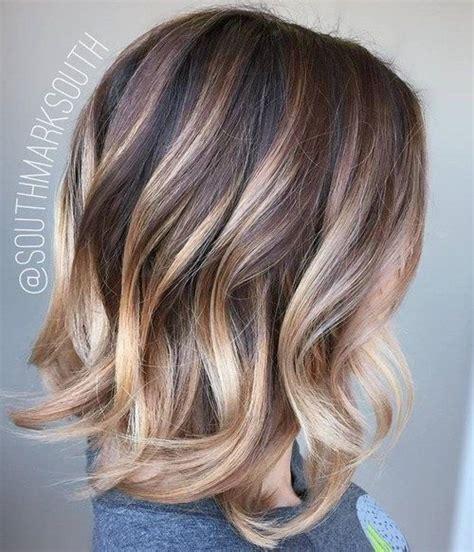 dunkelblond mit blonden strähnen 25 best ideas about frisuren mit str 228 hnen on haare balayage nat 252 rlich dunkelblond