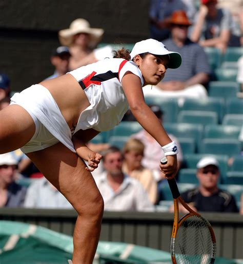 sania mirza hot pics    playing gallery hot south indian actress images tennis
