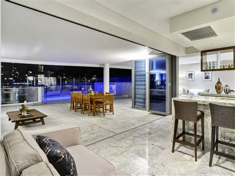 Sophisticated Apartment In Brisbane Featuring Marble