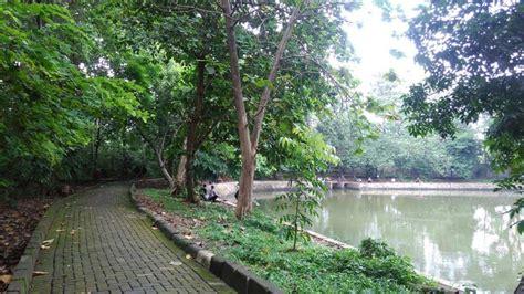 Minggu legi atau ahad manis ini menjadi salah satu neptu yang banyak dicari informasinya. 10 Taman di Jakarta Sebagai Pelepas Penat dari Rutinitas