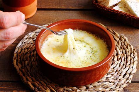 cheese fondue crock pot recipe crock pot fondue recipes