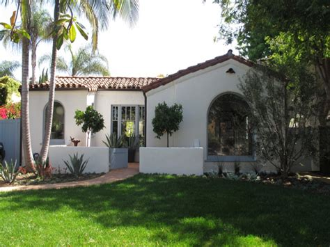 style courtyards spanish style houses with courtyards www imgkid com the image kid has it