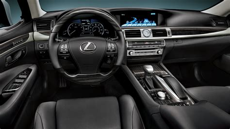 review  lexus ls awd  footed luxury liner
