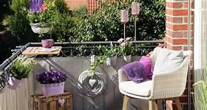 Balkon Sonnenschirm Mit Halterung : balkonerlebnis 1000 ideen f r ihren balkon ~ Bigdaddyawards.com Haus und Dekorationen