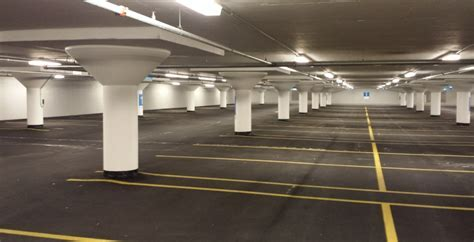 Massive Chicago parking garage gets overdue waterproofing