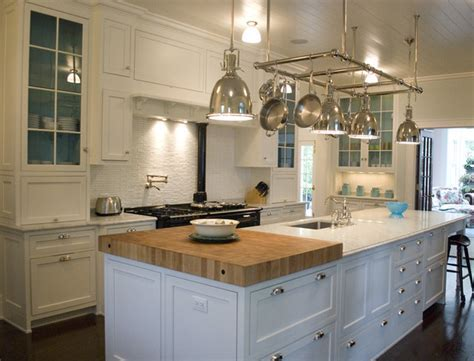 Colonial style Kitchen   Traditional   Kitchen   Chicago