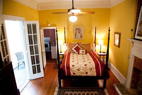 bedroom suites   orleans french quarter  home