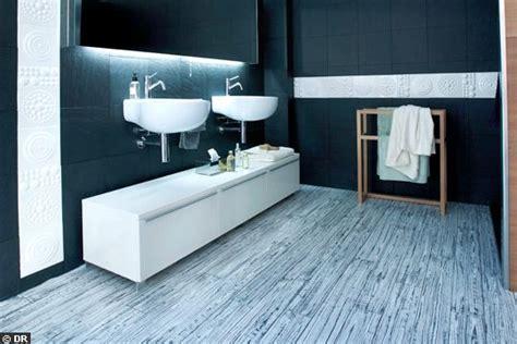 mobilier table sol vinyle pour salle de bain