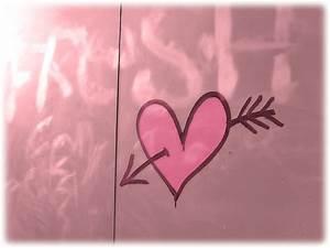 1600x1200 Pink heart and arrow desktop PC and Mac wallpaper