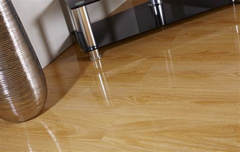 Light Oak High Glass Laminate Flooring