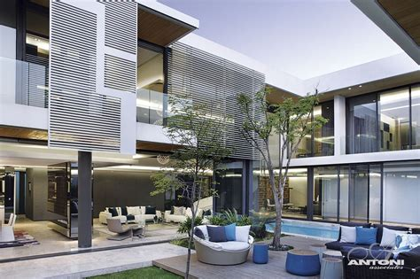 Modern Houses : Modern Mansion With Perfect Interiors By Saota