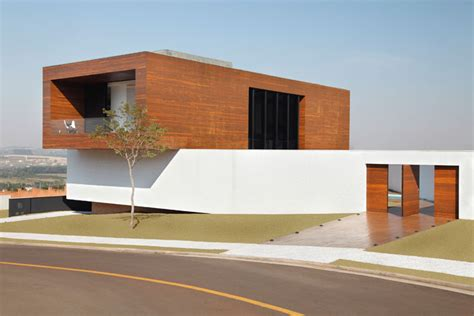 House By Studio Guilherme Torres by La House By Studio Guilherme Torres Yatzer