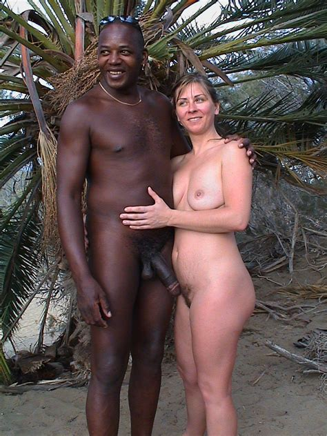 01  In Gallery Couples At Nude Beach Picture 2