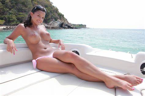 Lesbo Makes Dildoing On A Fishing Boat Models Boat Porn Chick Hard Max